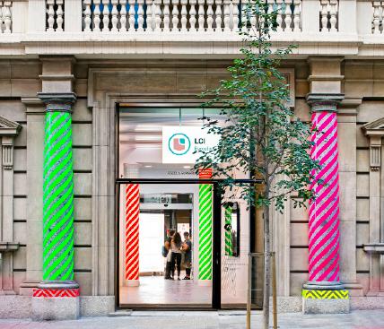 Entrada a les instal·lacions de LCI Barcelona, Escola Superior Oficial.