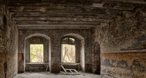 La rehabilitació d'edificis és una de les pràctiques més sostenibles. (Unsplash/COAC)